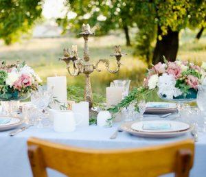 Sceenographie de votre mariage par une deecoratrice (tables, salle, ceereemonie)