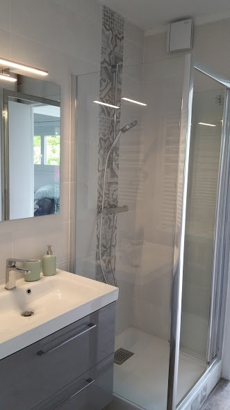 La salle de bains après